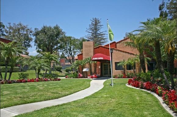 Brookhollow Apartments West Covina