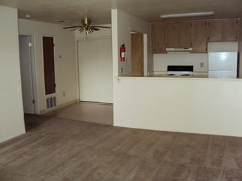 2901 Mary Ann Lane 1-2 Beds Apartment for Rent Photo Gallery 1