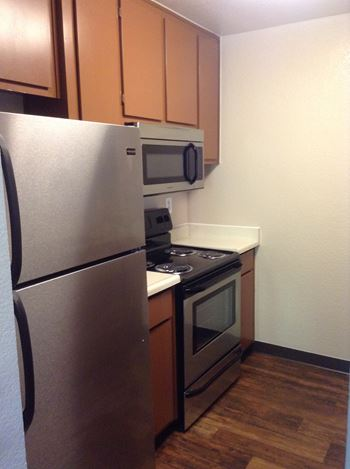 15690 Crestwood Drive 1-2 Beds Apartment for Rent Photo Gallery 1