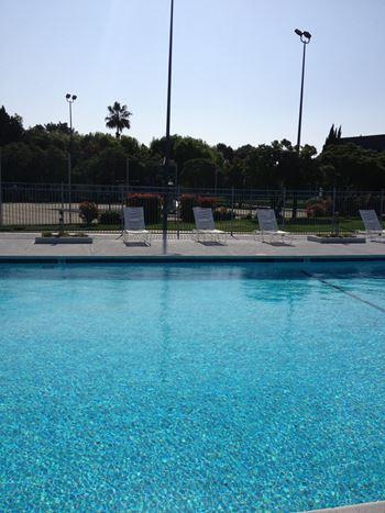 2 Marina Boulevard Studio-2 Beds Apartment for Rent Photo Gallery 1