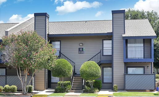 exterior | Avesta Capella Apartments in Northside Austin, Tx