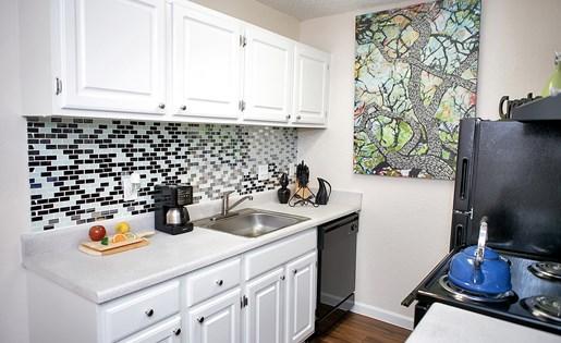 kitchen | Avesta Capella Apartments in Northside Austin, Tx