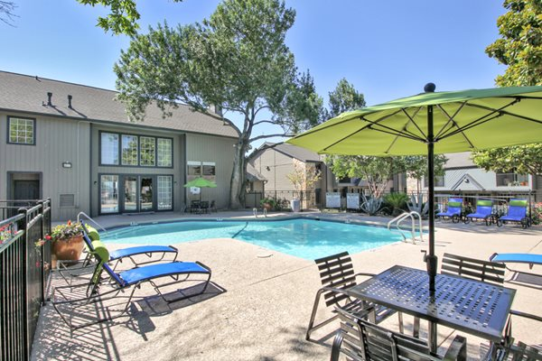 sparkling pool | Avesta Capella Apartments in Northside Austin, Tx