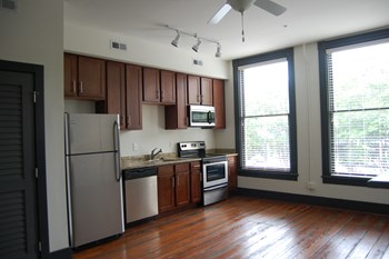 306 E. Broad St. Studio-2 Beds Apartment for Rent Photo Gallery 1