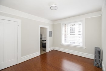 1020 Post Street Studio Apartment for Rent Photo Gallery 1