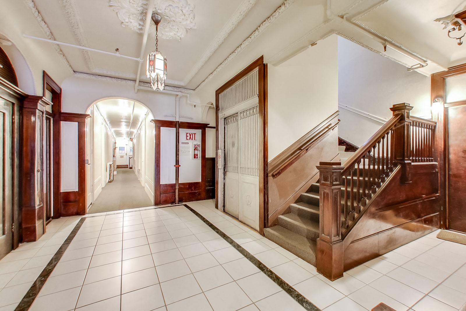 1560 SACRAMENTO Apartments & Suites photogallery 4