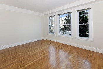 2363 Van Ness Avenue Studio-2 Beds Apartment for Rent Photo Gallery 1