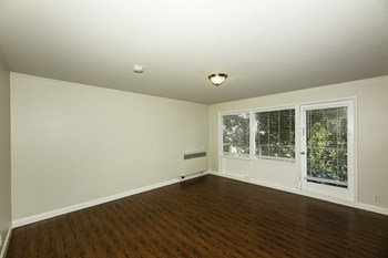 240 Cumberland Street Studio-2 Beds Apartment for Rent Photo Gallery 1