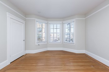 325 9Th Avenue 1-2 Beds Apartment for Rent Photo Gallery 1