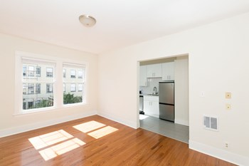 434 Leavenworth Street Studio-1 Bed Apartment for Rent Photo Gallery 1