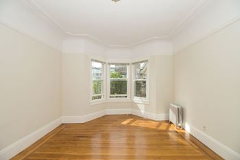 4540 California Street 1 Bed Apartment for Rent Photo Gallery 1