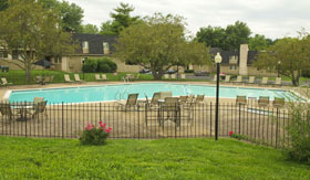 Apartments in Kansas City with a pool
