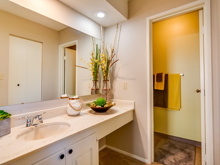 Hallway bathroom at The Oaks at Prairie View Apartments in North Kansas City, MO