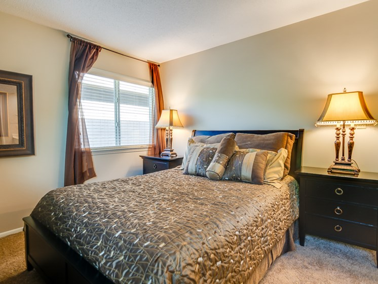 Large Master Bedroom at The Oaks at Prairie View Apartments in North Kansas City, MO