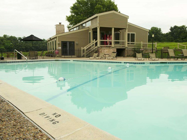 Big pools at The Oaks at Prairie View Apartments in North Kansas City, MO