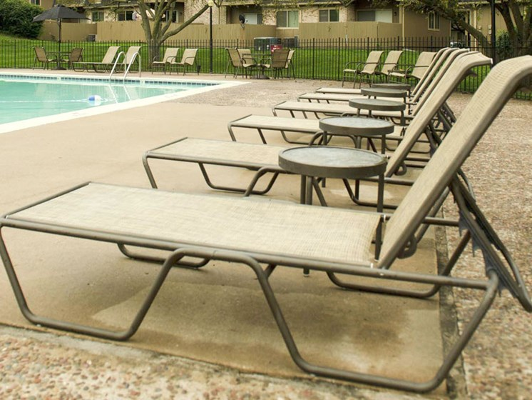Sundecks at The Oaks at Prairie View Apartments in North Kansas City, MO