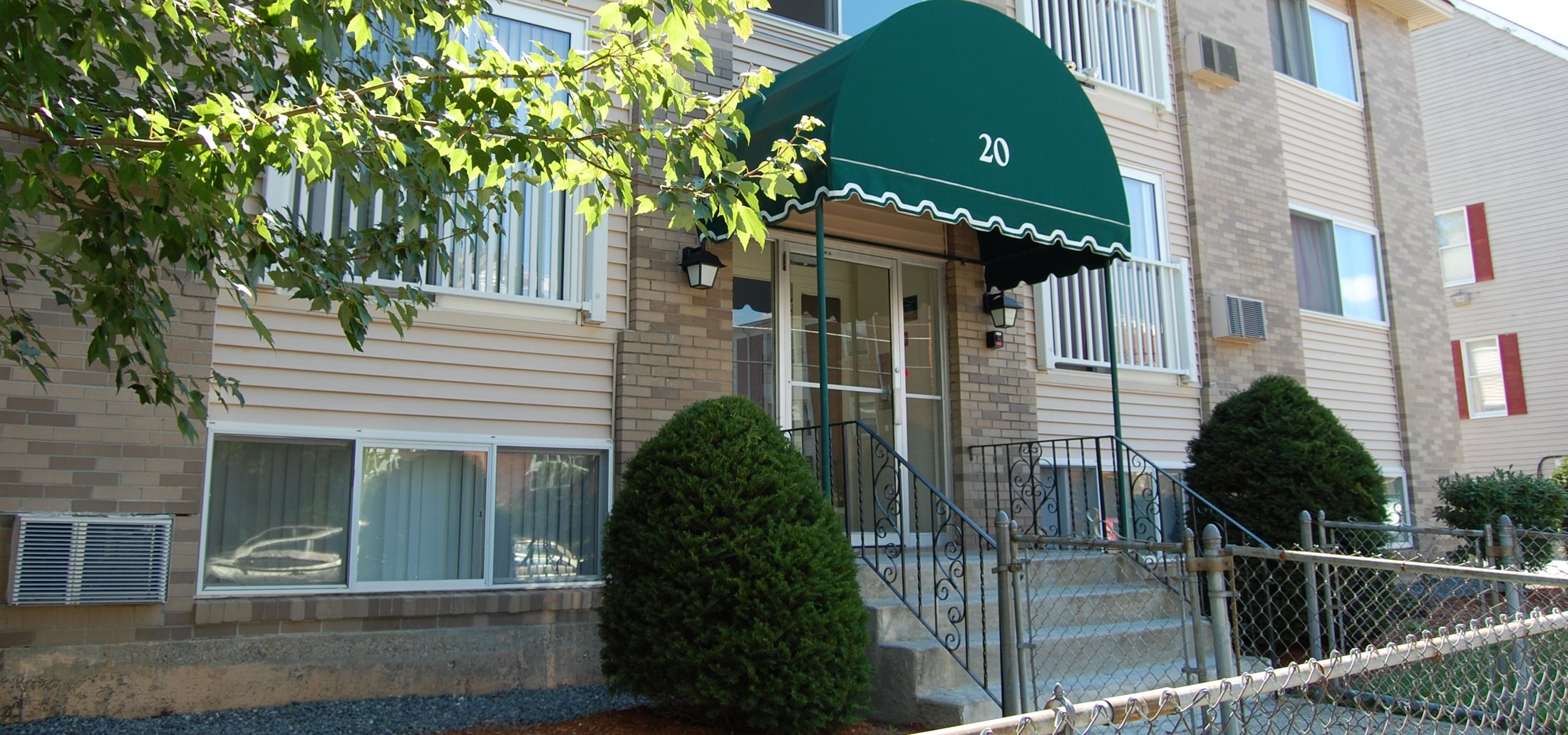 Lowell ma apartment homes embassy apartments heritage - 2 bedroom apartments in lowell ma ...