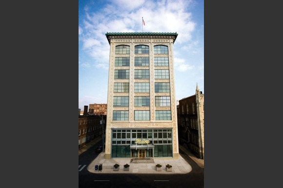 The packard motor car building apartments 317 n broad for Motor vehicle philadelphia pa