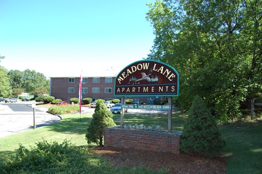 Meadow Lane Apartments Community Thumbnail 1