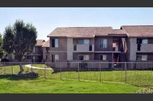 Ridge View Village Apartments 200 E Ave R Palmdale Ca Rentcafé
