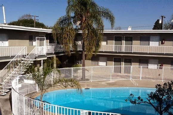 The Gondolier Apartments 5525 E Pacific Coast Hwy Long Beach Ca