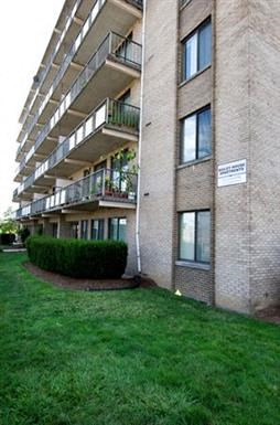 1920 North Calvert Apartments 1-2 Beds Apartment for Rent Photo Gallery 1