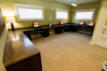 2851 Adam Henry Road 2-4 Beds Apartment for Rent Photo Gallery 1
