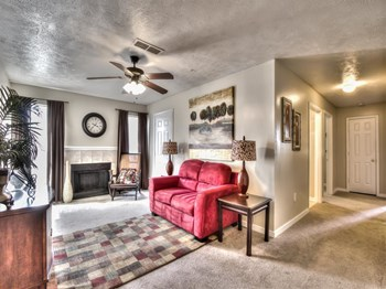 879 William Blvd 1-3 Beds Apartment for Rent Photo Gallery 1
