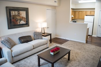 1738 Northampton Road #301 2 Beds Apartment for Rent Photo Gallery 1
