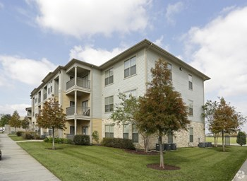 10732 South Mall Drive 3 Beds Apartment for Rent Photo Gallery 1