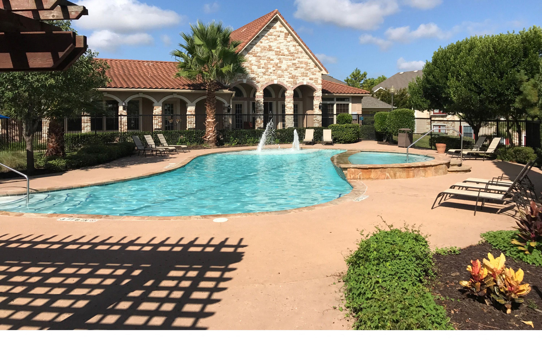 Walnut Ridge Pool & Walnut Ridge | Apartments in Bastrop TX