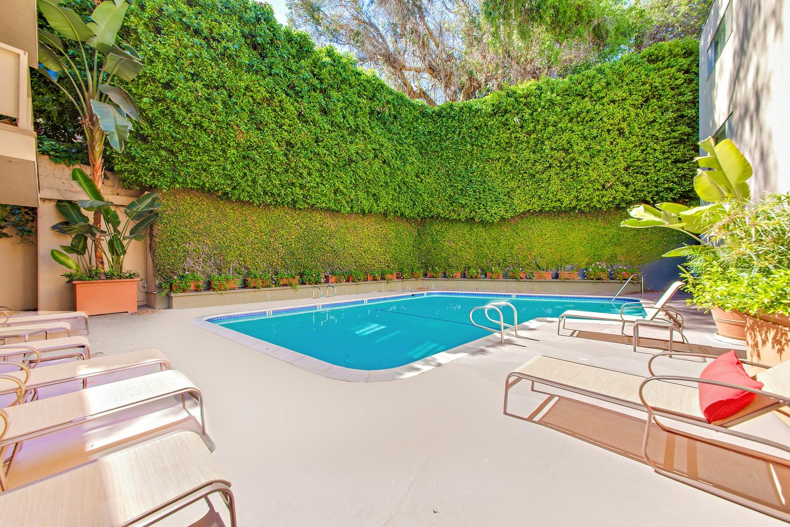 Photos and video of the brentwood tuscany in brentwood ca for The brentwood