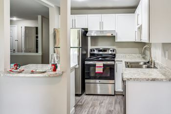 1020 Central Avenue N 1-3 Beds Apartment for Rent Photo Gallery 1