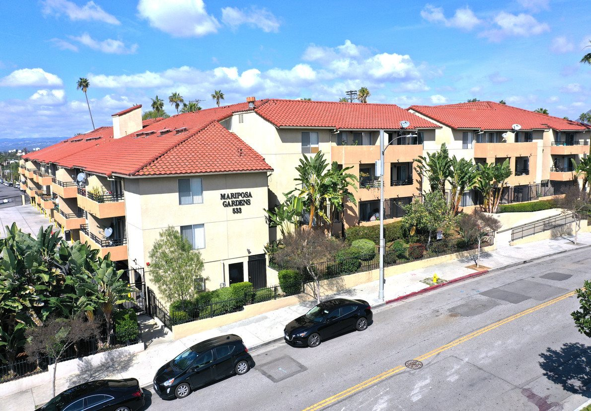Mariposa Gardens Apartments wide exterior view