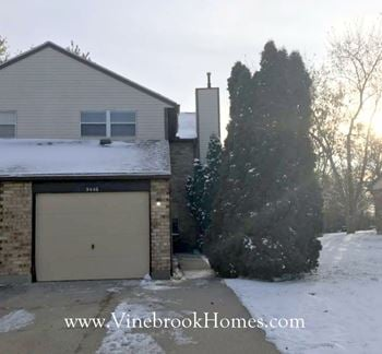 9446 Arbor Ridge Drive 2 Beds House for Rent Photo Gallery 1