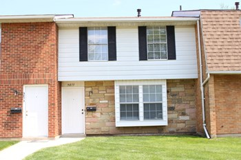 5877 Taylorsville Road 3 Beds Townhouse for Rent Photo Gallery 1