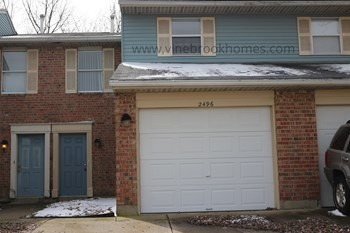 2496 Spring Valley Pike 2 Beds Townhouse for Rent Photo Gallery 1