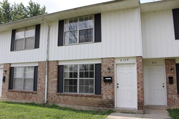 8109 Mount Aetna 2 Beds Townhouse for Rent Photo Gallery 1