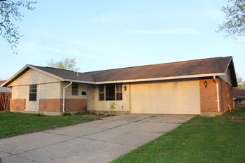 5862 Brandt Pike 4 Beds House for Rent Photo Gallery 1