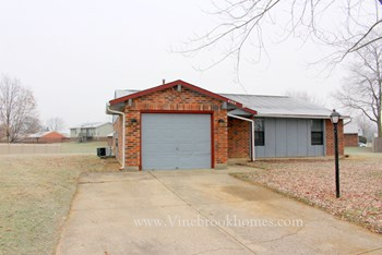 8308 Ponstone Place 3 Beds House for Rent Photo Gallery 1