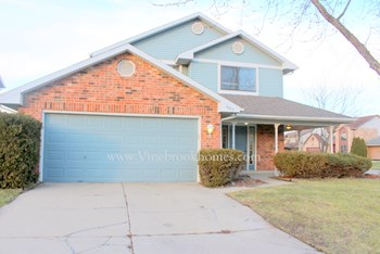6613 Rolling Glen Drive 3 Beds House for Rent Photo Gallery 1