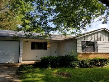 10204 East Nassau Lane 3 Beds House for Rent Photo Gallery 1