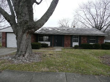 2251 North Curry Drive 3 Beds House for Rent Photo Gallery 1