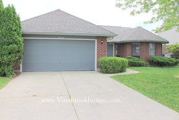 6825 Deer Ridge Drive 3 Beds House for Rent Photo Gallery 1