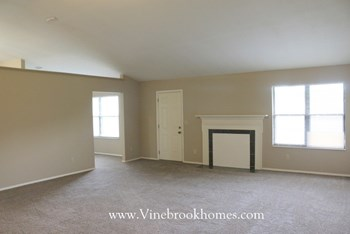 6571 Deer Knolls Drive 3 Beds House for Rent Photo Gallery 1