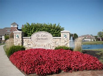 4700 Lakes Edge 1 Bed Apartment for Rent Photo Gallery 1