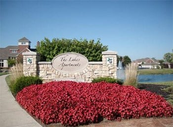 4700 Lakes Edge 3 Beds Apartment for Rent Photo Gallery 1