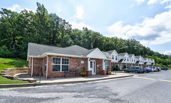 9 Catawba Dr. 1-4 Beds Apartment for Rent Photo Gallery 1