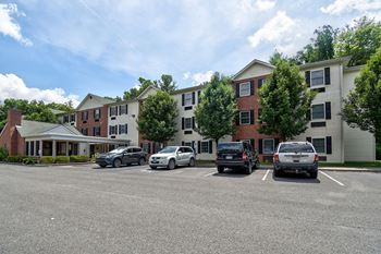 6 Yellow Wood Way 1-2 Beds Apartment for Rent Photo Gallery 1
