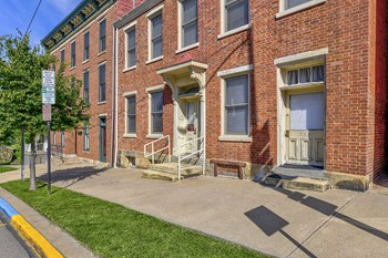 171 W. Main St. 1 Bed Apartment for Rent Photo Gallery 1